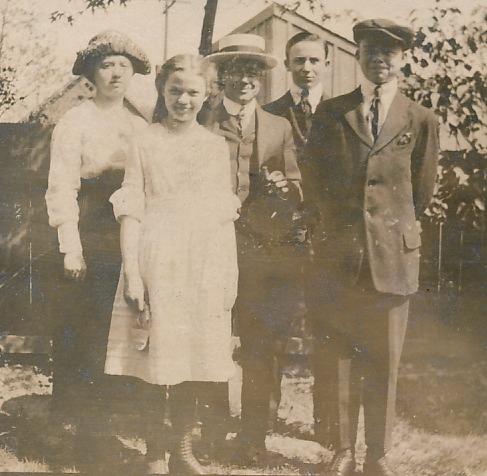 G&E Detroit family