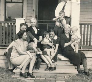 Roseville 1940 grandma B
