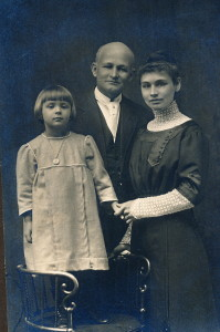 Ida May, Stacy and Marian 1912