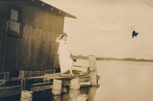 B&B Ruth at shack with bird