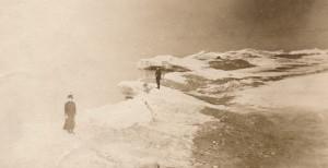 B&B Winter scene at lake